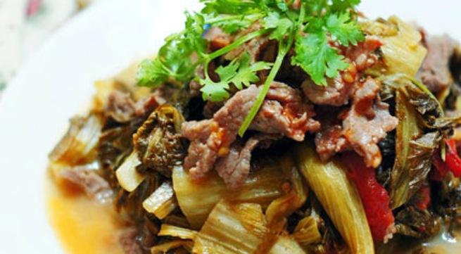 Cách làm thịt bò xào dưa chua đơn giản mà cực ngon