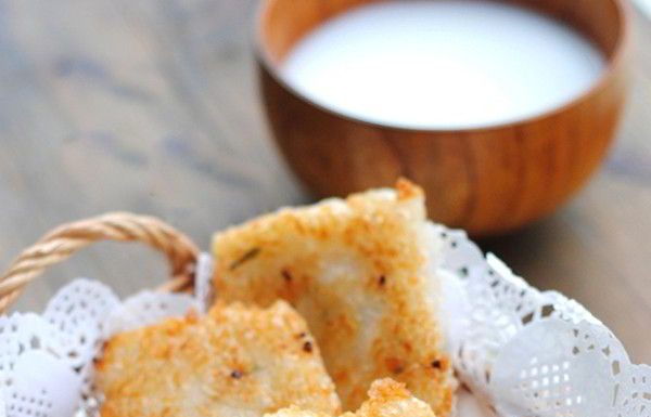 Cách làm bánh gạo chiên hành giòn ngon ngày cuối tuần