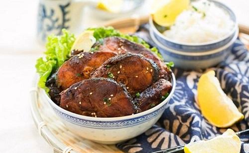 Cách làm cá chép om ngũ vị ngon đậm đà cho bữa cơm thêm thú vị