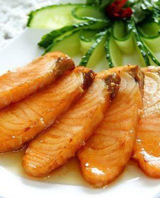 Cách làm cá hồi chiên nước mắm như ngoài hàng ngay tại nhà