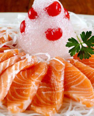 Cách làm món gỏi cá hồi ngon tuyệt cho bữa ăn đầm ấm