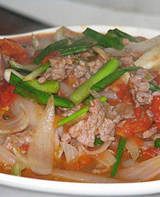 Cách làm thịt bò xào cà chua thơm ngon nức mũi cả nhà đều mê