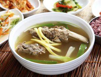 Cách nấu canh sườn bò kiểu Hàn Quốc cực kỳ hấp dẫn