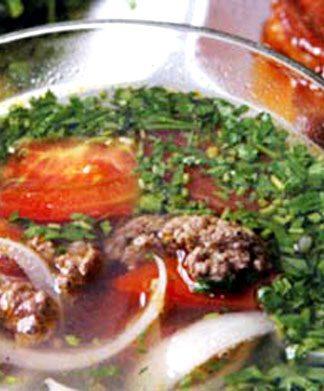 Cách nấu canh thịt bò rau răm cho ngày trở lạnh