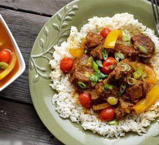 Cách nấu cari bò Ấn độ thơm rộ gian bếp nhỏ