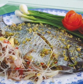 Cách làm cá dìa hấp đơn giản mà lại ngon cơm
