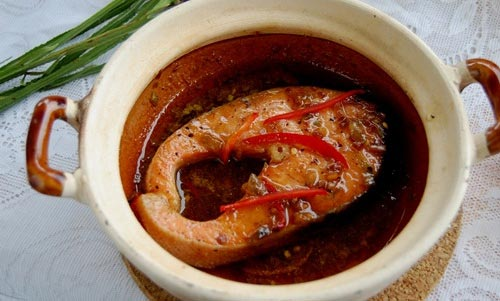 Cách làm cá hồi kho tiêu ngon đậm đà cho ngày lạnh