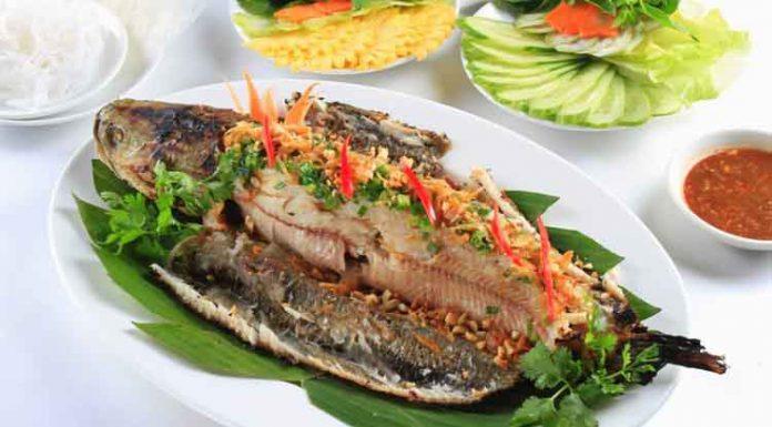 Cách làm cá lóc hấp cuốn bánh tráng thơm ngon