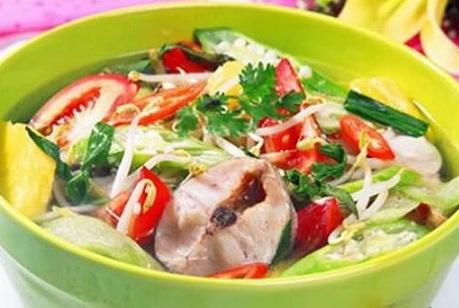 Cách làm cá lóc nấu canh chua đúng vị Nam Bộ tuyệt ngon