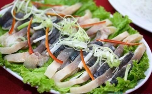 Cách làm lẩu cá thu vừa bổ dưỡng vừa đơn giản dễ làm