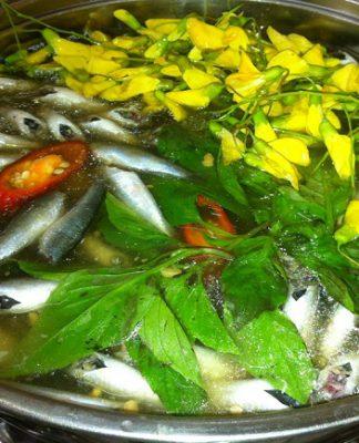 Cách làm lẩu cá linh bông điên điển ngon chuẩn vị nhà hàng