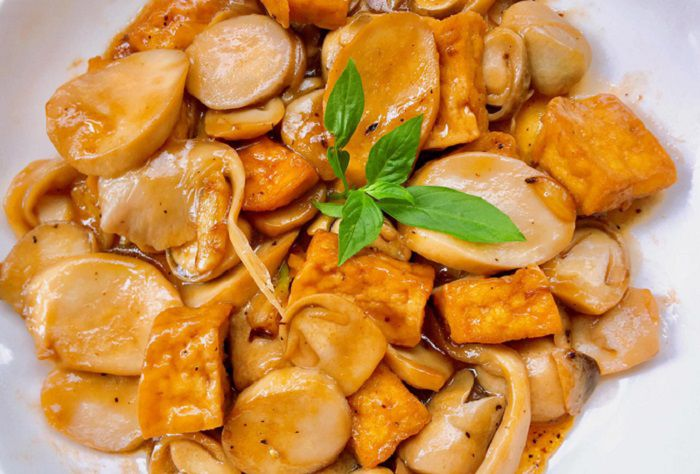 món nấm bào ngư xào đậu hũ